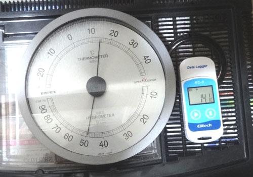 温度データロガー・RC-5と温度計